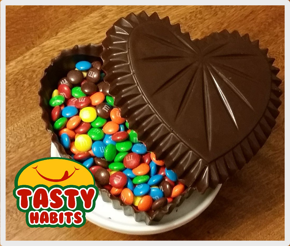 Chocolate Heart filled with M&Ms - Tasty Habits