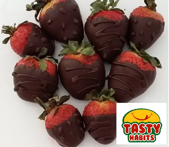 Strawberry Dipped in Chocolate - Tasty Habits