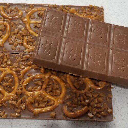 Chocolate-Pretzels-Caramel-Bits
