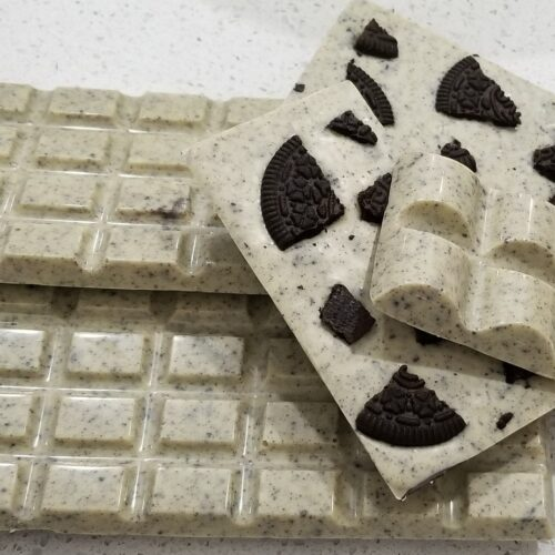 White Chocolate Bar with Oreo