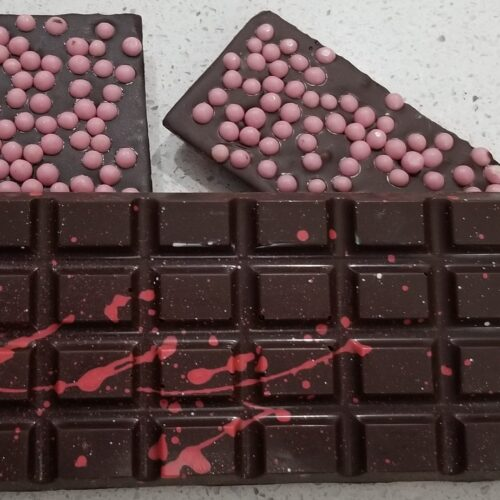 Chocolate Bar with Strawberry Crispearls